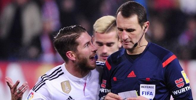 Ramos hết gây họa lại bóng gió đòi rời Real