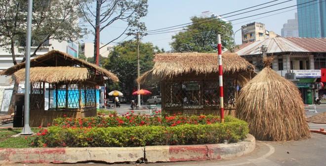 """TPHCM: Mang """"hồn quê"""" về phố trên đường hoa Tết Ất Mùi 2015"""