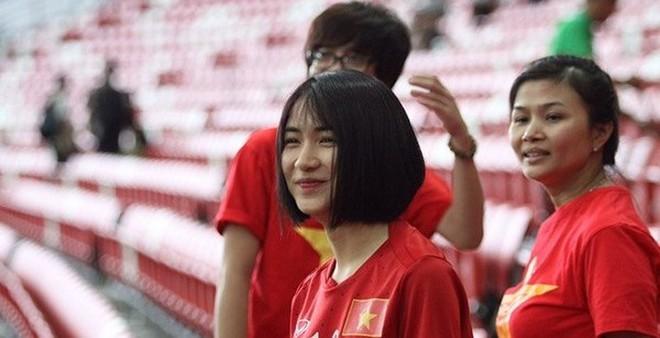 Hòa Minzy về nước cùng Công Phượng và đội tuyển U23 Việt Nam