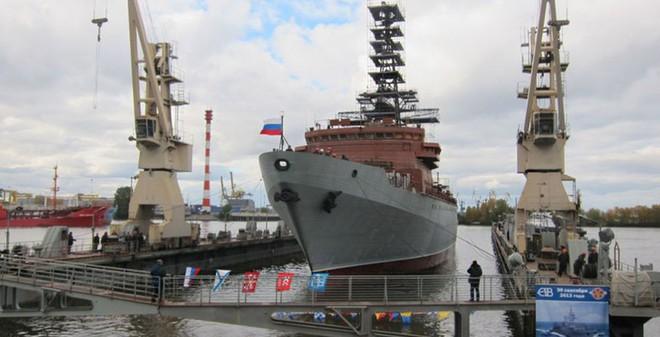 """Đức: """"Siêu tàu"""" mới của Putin sẽ tìm được lỗ hổng phòng thủ Mỹ"""