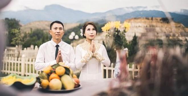 Cặp đôi Việt kết hôn 'thần tốc' chọn nghĩa trang để chụp ảnh cưới