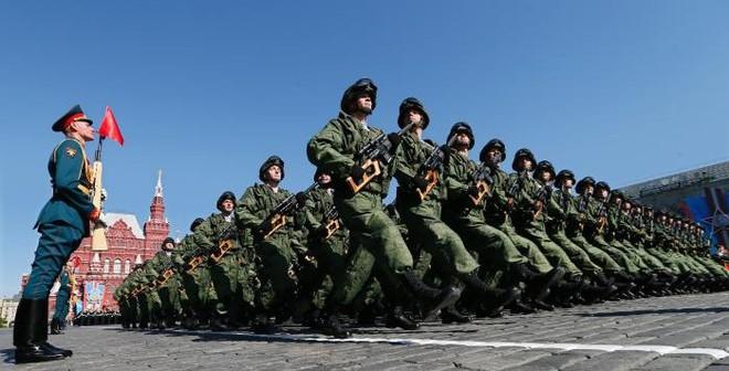 """""""Phương Tây đang đánh giá quá thấp sức mạnh của quân đội Nga"""""""