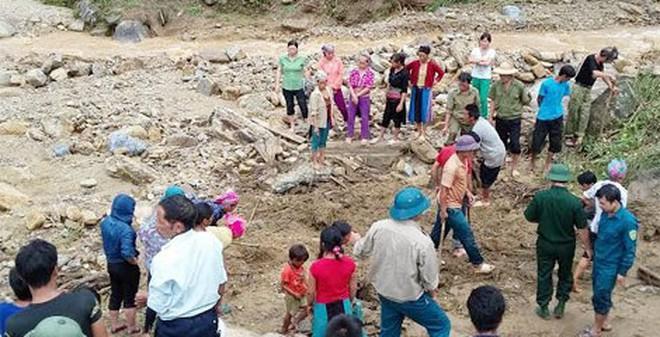 Tìm thấy thi thể 2 bé trai dưới hồ nước, người mẹ vẫn mất tích