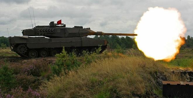 """Xe tăng """"tốt nhất TG"""" của Đức không bắn thủng được giáp T-80"""