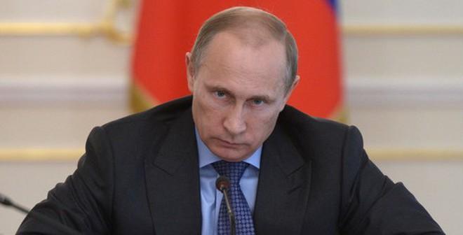 """Nản """"cây gậy"""", EU bất ngờ trưng """"cà rốt"""" trước Nga"""