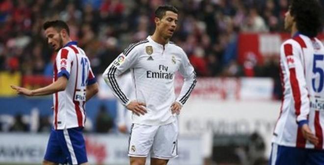 Ronaldo làm gì trong thảm bại của Real Madrid?