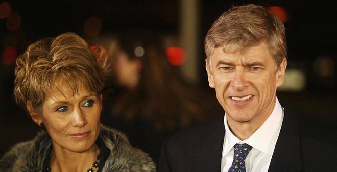 Sốc: HLV Wenger và vợ ly thân, đã chia xong tài sản