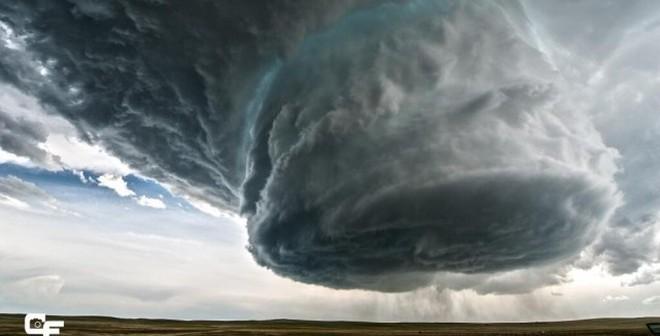 Đi săn... siêu bão