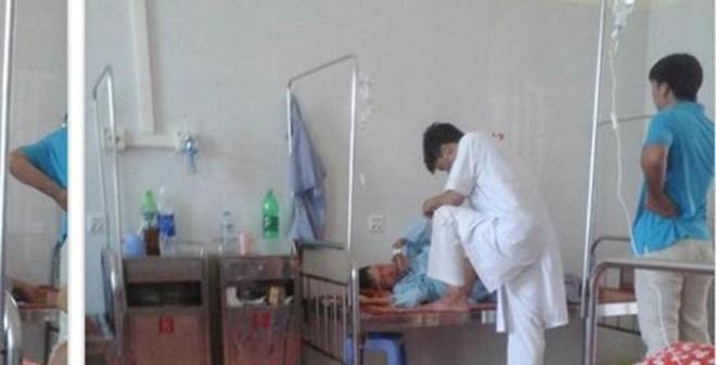 """Bác sĩ giẫm chân lên giường bệnh: Công văn của Bộ Y tế gây """"bão"""""""