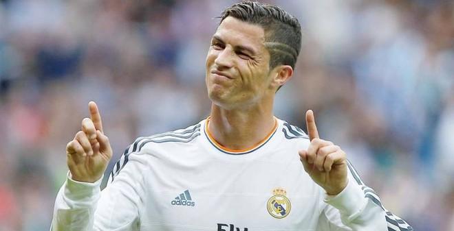 Ronaldo hé lộ bí mật cuộc đời trong clip mới
