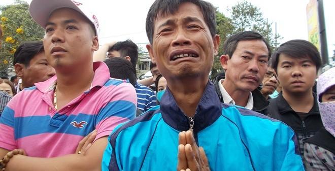 Hàng vạn người tiễn ông Nguyễn Bá Thanh về nơi an nghỉ cuối cùng