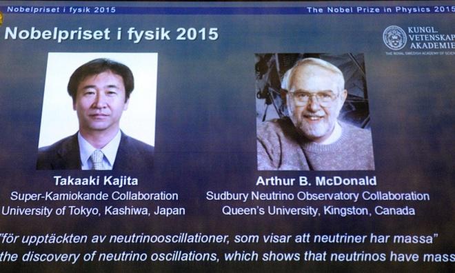 Giải Nobel vật lý được trao cho nghiên cứu hạt hạ nguyên tử