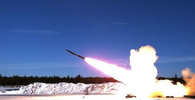 GLSDB - Sự kết hợp độc đáo giữa bom và pháo phản lực
