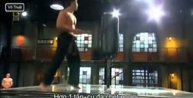 """Giải mã cú đá Taekwondo """"sức mạnh chết người"""""""