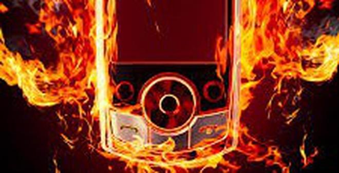 Cách tạo lửa bá đạo từ giấy bạc và điện thoại