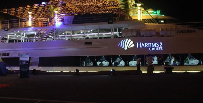 Cận cảnh du thuyền 5 sao đầu tiên tại Đà Nẵng