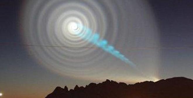 UFO như lốc xoáy trên bầu trời Nga