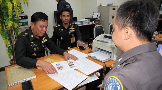 """Thái Lan: Bị bắt vì """"like"""" ảnh chế về nhà vua"""