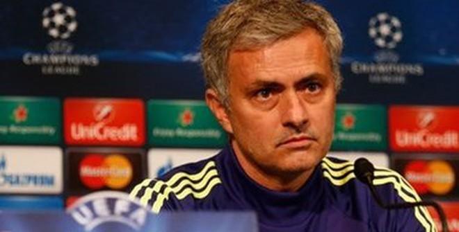 """Lần đầu tiên sau 6 năm, Mourinho không còn là """"Người đặc biệt"""""""