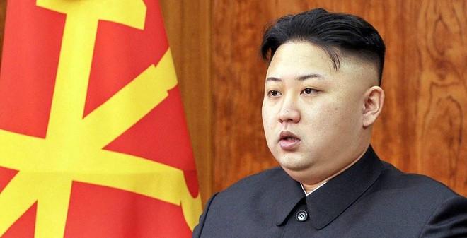 """Tiết lộ ảnh hiếm """"giỏ nhà ai, quai nhà nấy"""" của cha con Kim Jong-un"""