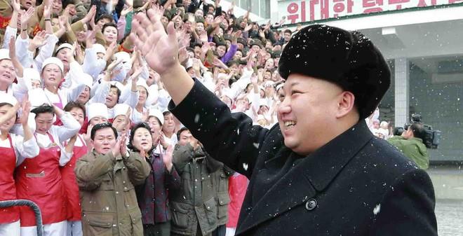 """Phớt lờ TQ, Kim Jong Un """"buông lời có cánh"""" với Nga và Putin"""
