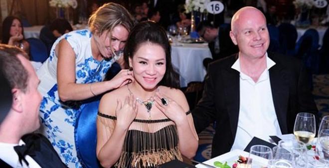Chiêm ngưỡng BST hàng hiệu đắt đỏ của Thu Minh sau khi lấy chồng