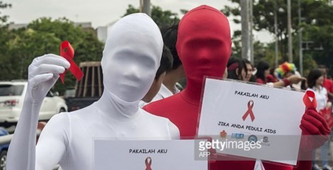 Indonesia xin lỗi vì viết nhầm áp phích 'hắt xì hơi lây nhiễm HIV'