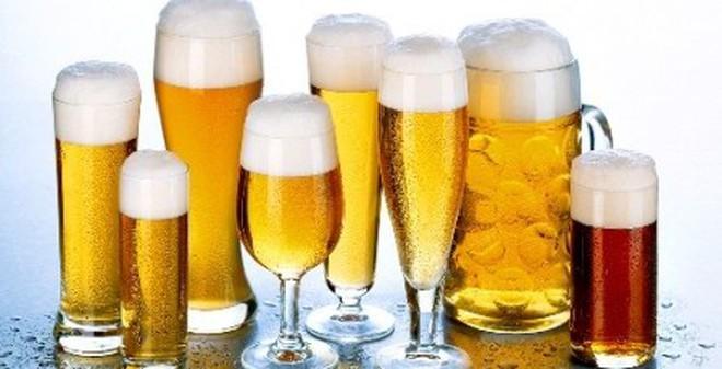 Mẹo nhỏ phân biệt bia thật, bia giả quý ông nào cũng nên biết