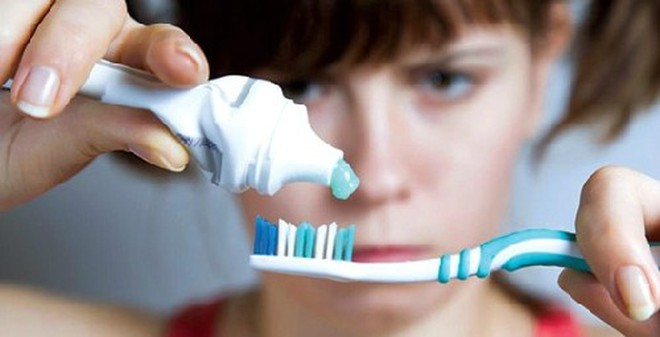 Buồn nôn khi đánh răng: Dấu hiệu nhiều bệnh nguy hiểm?