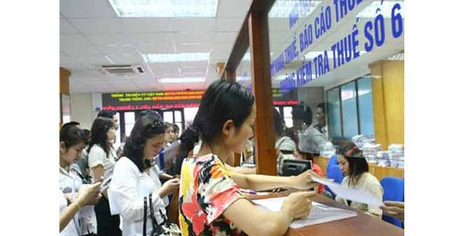 """Hà Nội: Thất thu thuế vì nhiều """"giám đốc doanh nghiệp"""" là... xe ôm"""