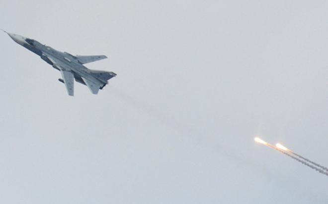 Tổng thống Pháp Hollande và bài toán khó ở Nga sau vụ Su-24 bị bắn hạ