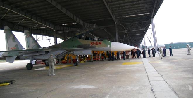 Trung đoàn Không quân thứ ba trang bị Su-30MK2