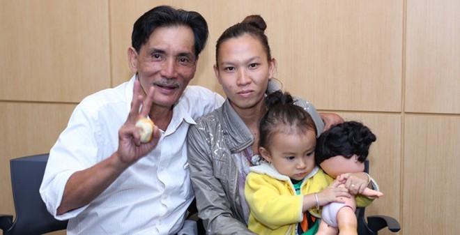 Chân dung vợ trẻ kém Thương Tín vài chục tuổi
