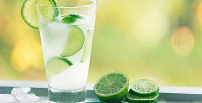 Uống 1 cốc nước chanh mỗi buổi sáng: Lợi ích thần kỳ!