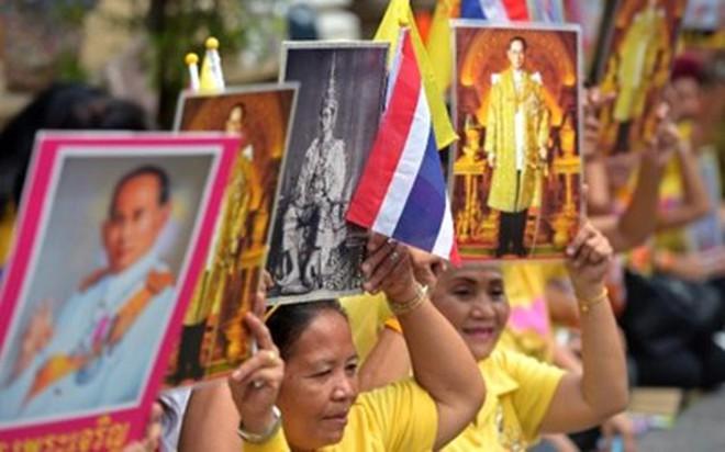 Thái Lan bất ổn sau tin Quốc vương phải điều trị tràn dịch não