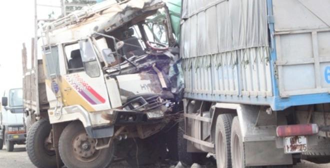 Đắc Lắc: Hai xe tải tông nhau làm 7 người thương vong