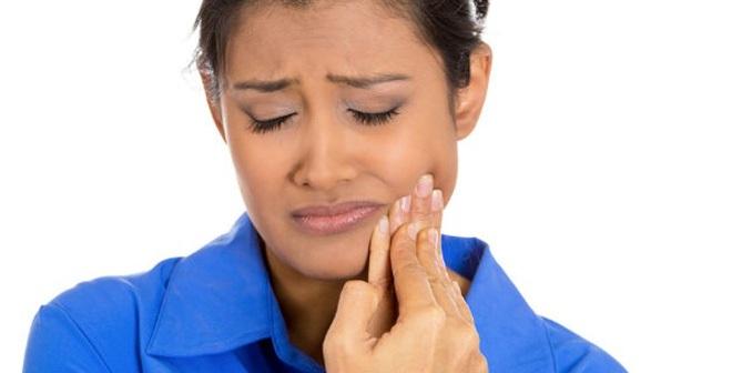 Chảy máu chân răng: Dấu hiệu của bệnh ung thư vú