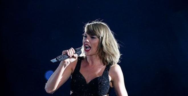 """Taylor Swift là """"cái máy in tiền"""" siêu hơn cả CR7 hay Messi"""