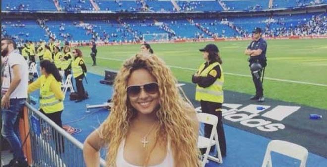 Cris Ronaldo tán tỉnh tình cũ của tay đấm triệu đô?