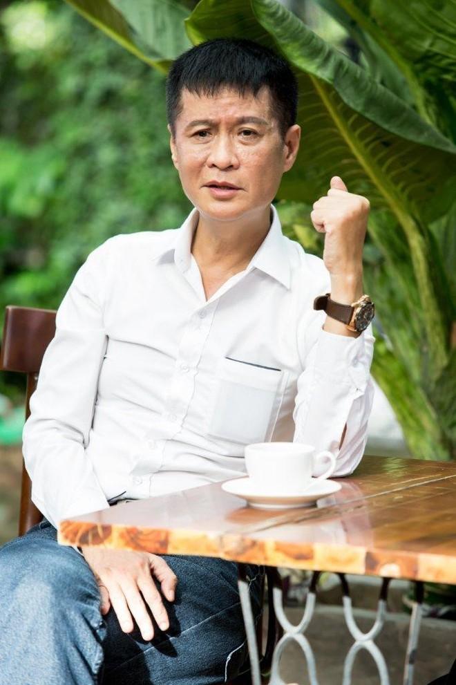 Lê Hoàng: Sẵn sàng bỏ xe hơi nhưng không chia tay xe máy - Ảnh 1.