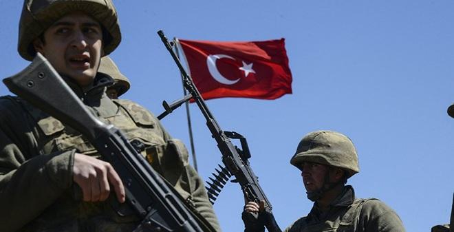 """Mỹ được gì khi """"bán đứng"""" đồng minh người Kurd ở Syria?"""