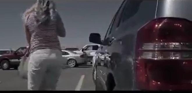 Con trai chết ngạt trong ô tô vì sự vô ý của người mẹ - Ảnh 1.