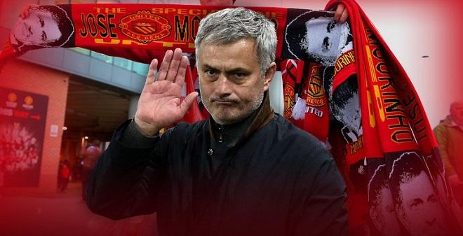 """NÓNG: Man United đã """"trói chân"""" Jose Mourinho?"""