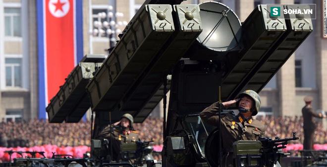 """Bị Triều Tiên """"cưỡi lên đầu"""", Hàn Quốc sẽ sở hữu vũ khí hạt nhân?"""