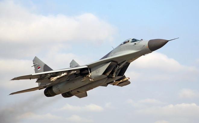 """Nga học chiêu """"cho không"""" của Mỹ để thanh lý kho vũ khí cũ?"""