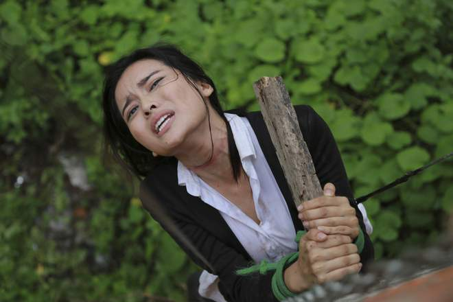 Cao Thái Hà bị tai nạn trên phim trường - Ảnh 5.