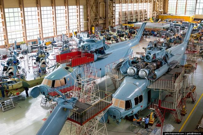 [ẢNH] Thăm nhà máy chế tạo Thợ săn đêm của Nga - Ảnh 6.