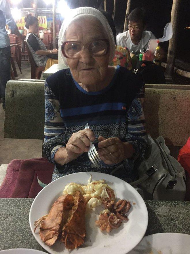 Cụ bà 89 tuổi người Nga bất ngờ bị ghen tị sau khi đến Việt Nam - Ảnh 6.
