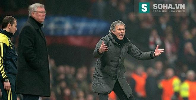 """Mourinho """"tự bắn vào chân mình"""" trong nỗi khát khao Man United"""