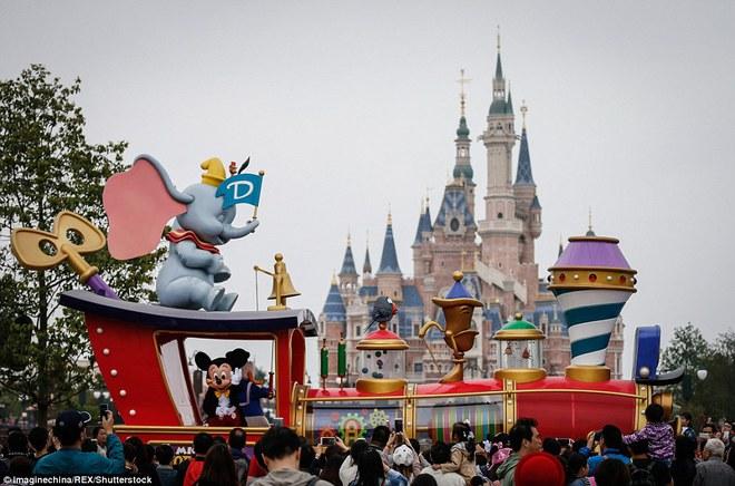 Sự thật trần trụi đằng sau những món đồ chơi đắt tiền của Disney - Ảnh 16.
